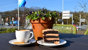 Van der Valk Hotel Arnhem - coffee and cake